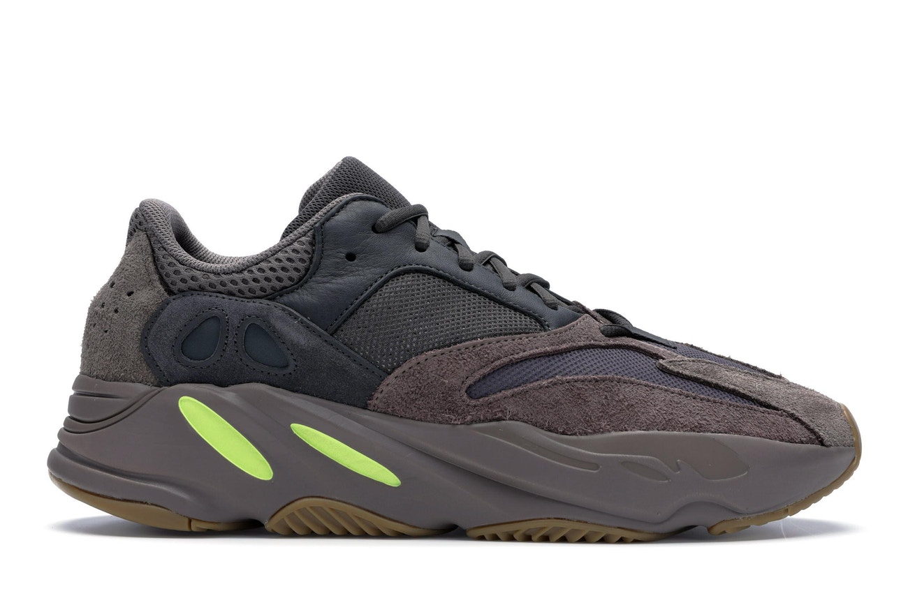 Yeezy Boost 700 Mauve (Women)
